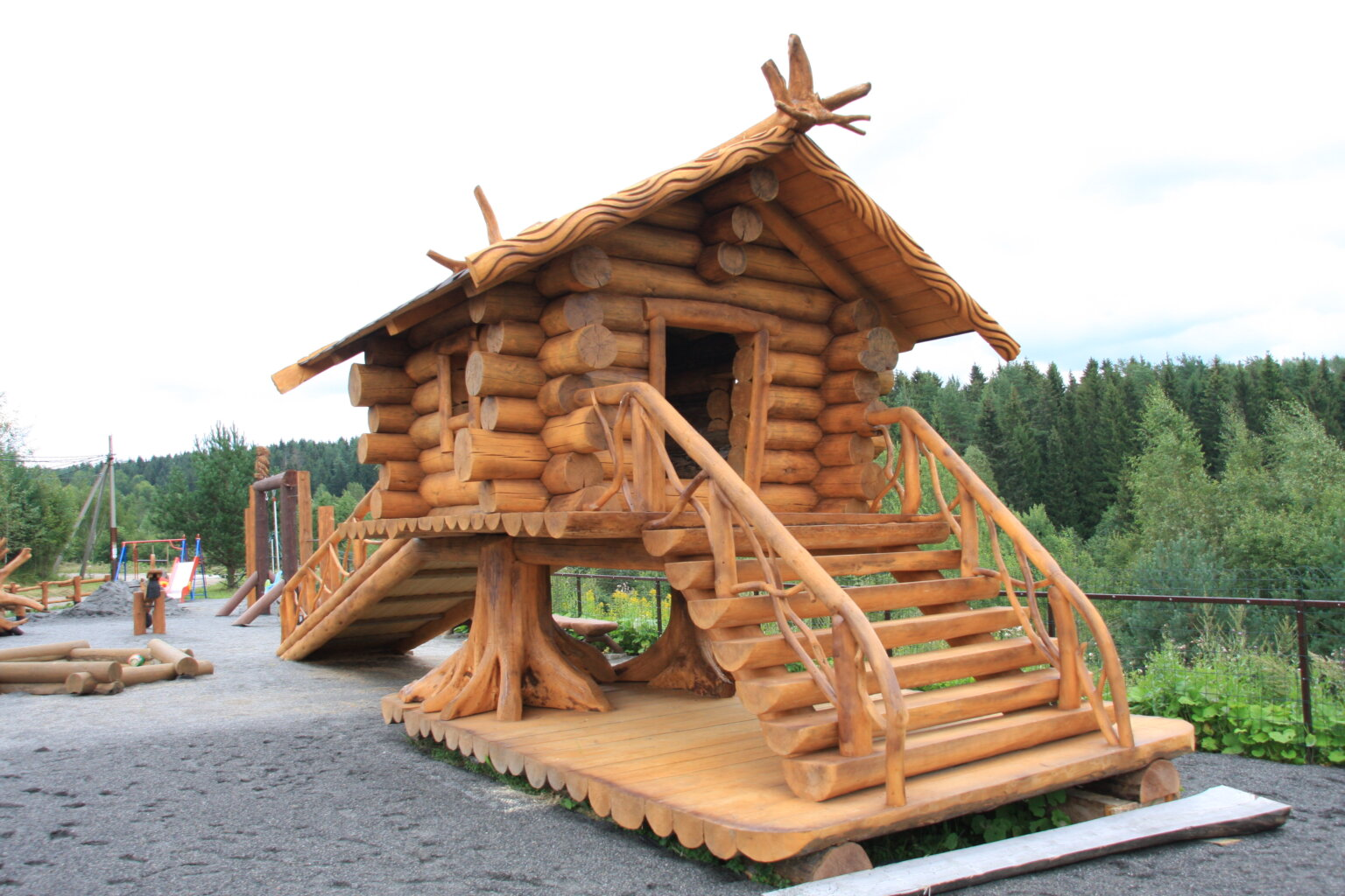 дом на курьих ножках фото