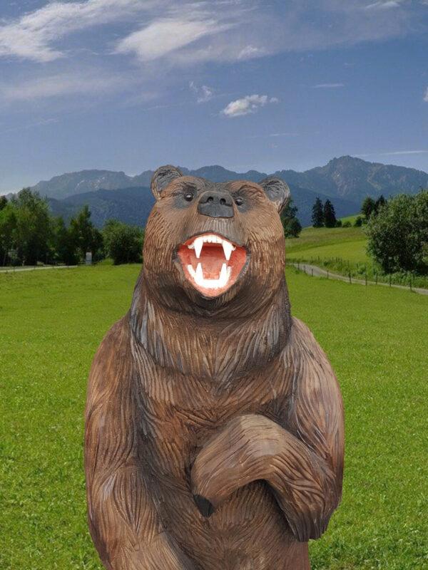 Медведь на пне