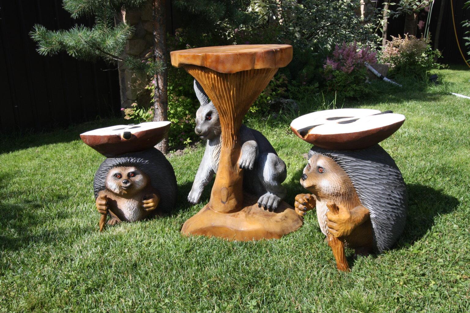 Резная мебель из дерева - еж заяц