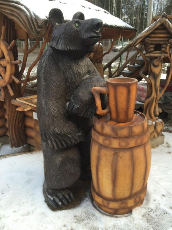 """Скульптура резная """"Медведь с кружкой и боченком"""""""