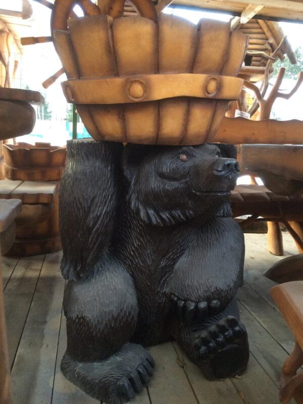 """Скульптура резная из дерева """"Медведь с кадушкой на голове"""""""
