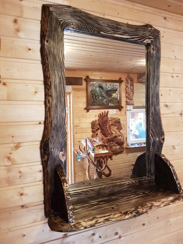 Зеркало в раме из состаренной сосны с полочкой