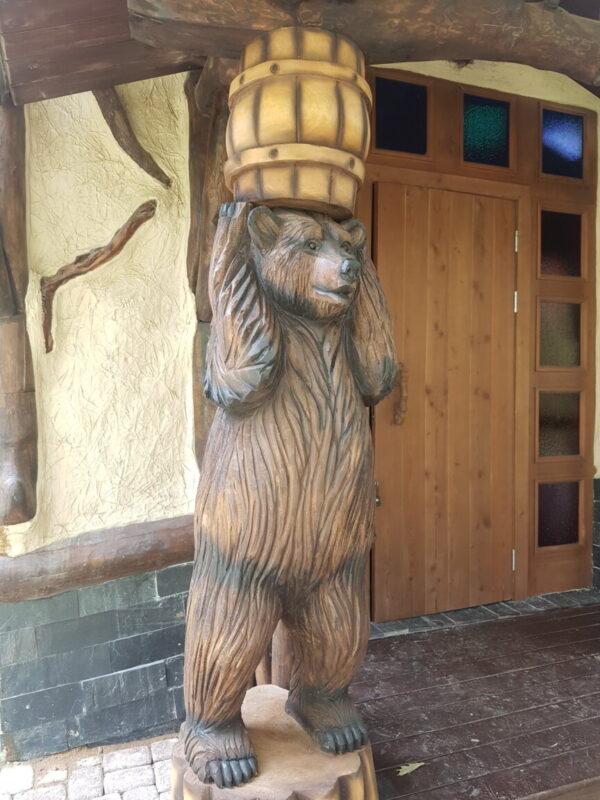 Крыльцо Медведи