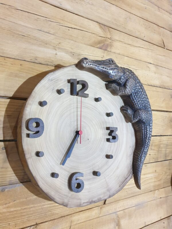 "Часы ""Аллигатор"""